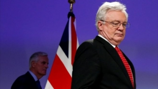 Brexit: Business leaders call for swift transition deal