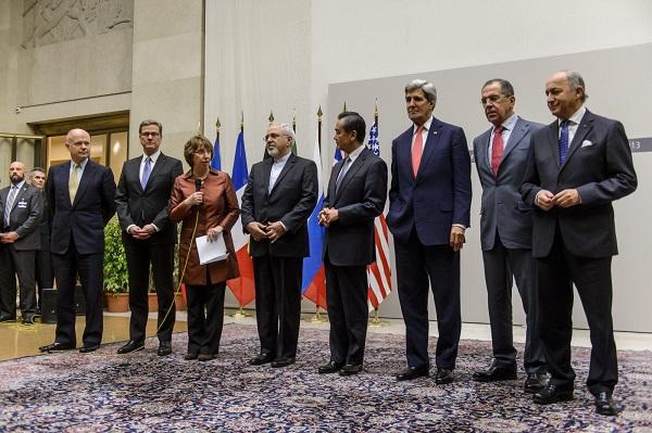 """""""تلازم المسارات"""":  إيران واستراتيجية """"إطالة المفاوضات"""" النووية"""