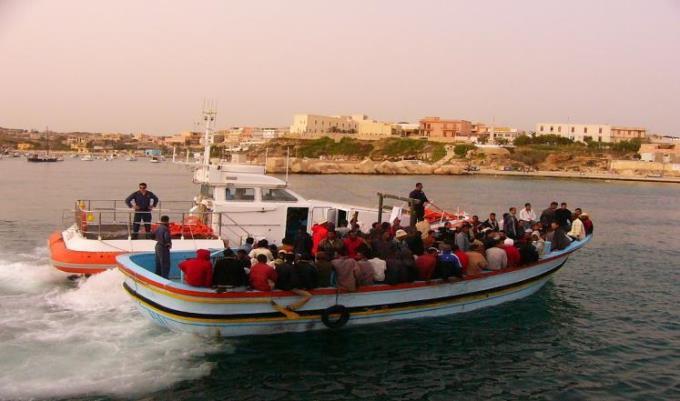 الهجرة غير الشرعية عبر ليبيا.. معاناة إنسانية برسم التسعير
