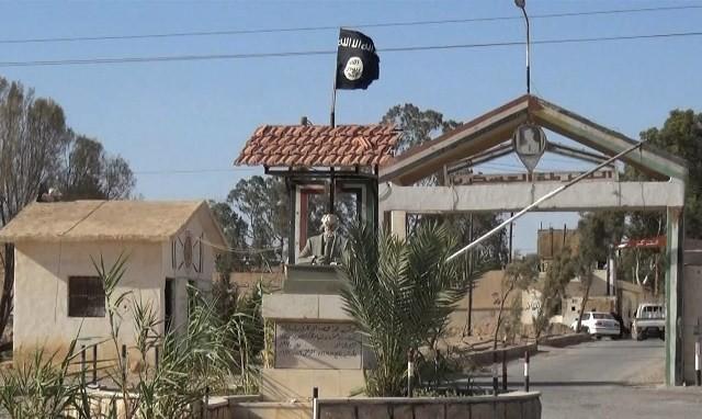 """""""سجن تدمر"""".. """"باستيل سوريا"""" الرهيب الذي نسفته داعش.."""