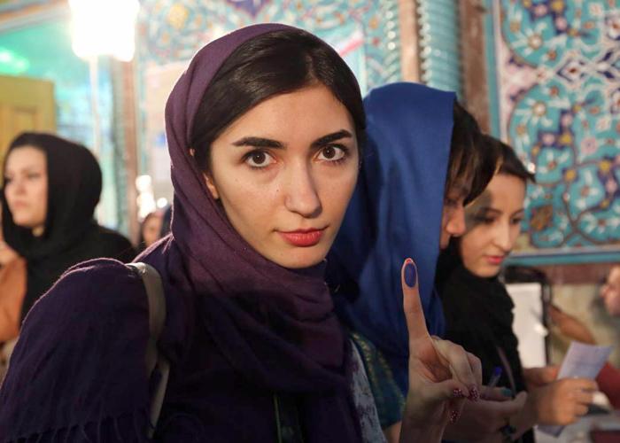 'إيران الثالثة' تتشكل تحت سطح الاحتجاجات الهادئة