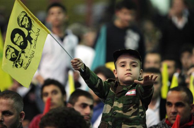حتى حزب الله يدفع بالأطفال في مقدمة خطوطه