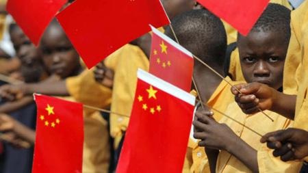 الاستيطان الاقتصادي الصيني في أفريقيا.. استعمار جديد بشروط جديدة