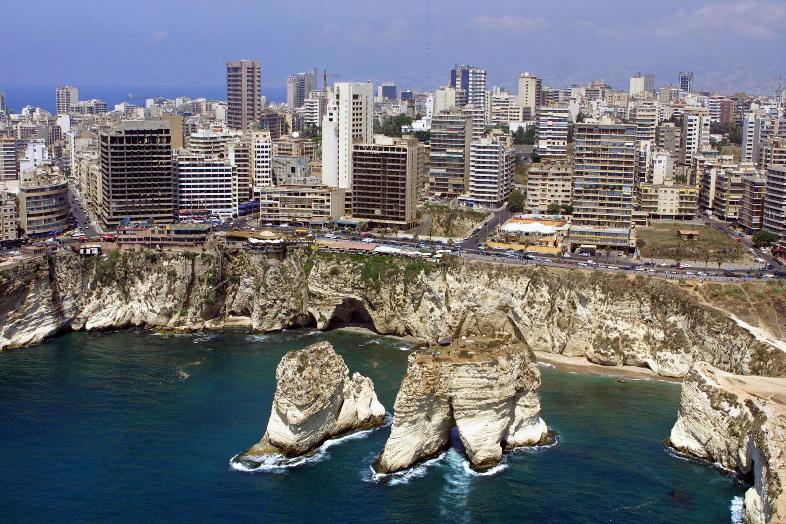 من يريد تدمير بيروت؟