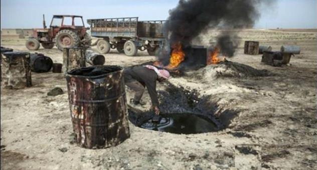 """تمويل الإرهاب: من يشتري النفط المسروق من """" داعش""""؟"""