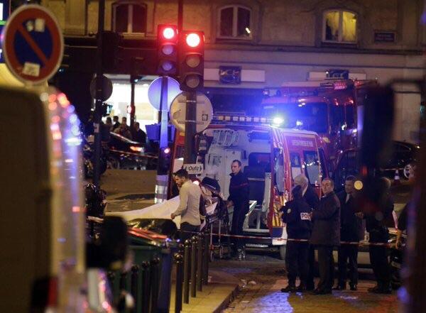 تفجيرات باريس الإرهابية والأسئلة المباحة