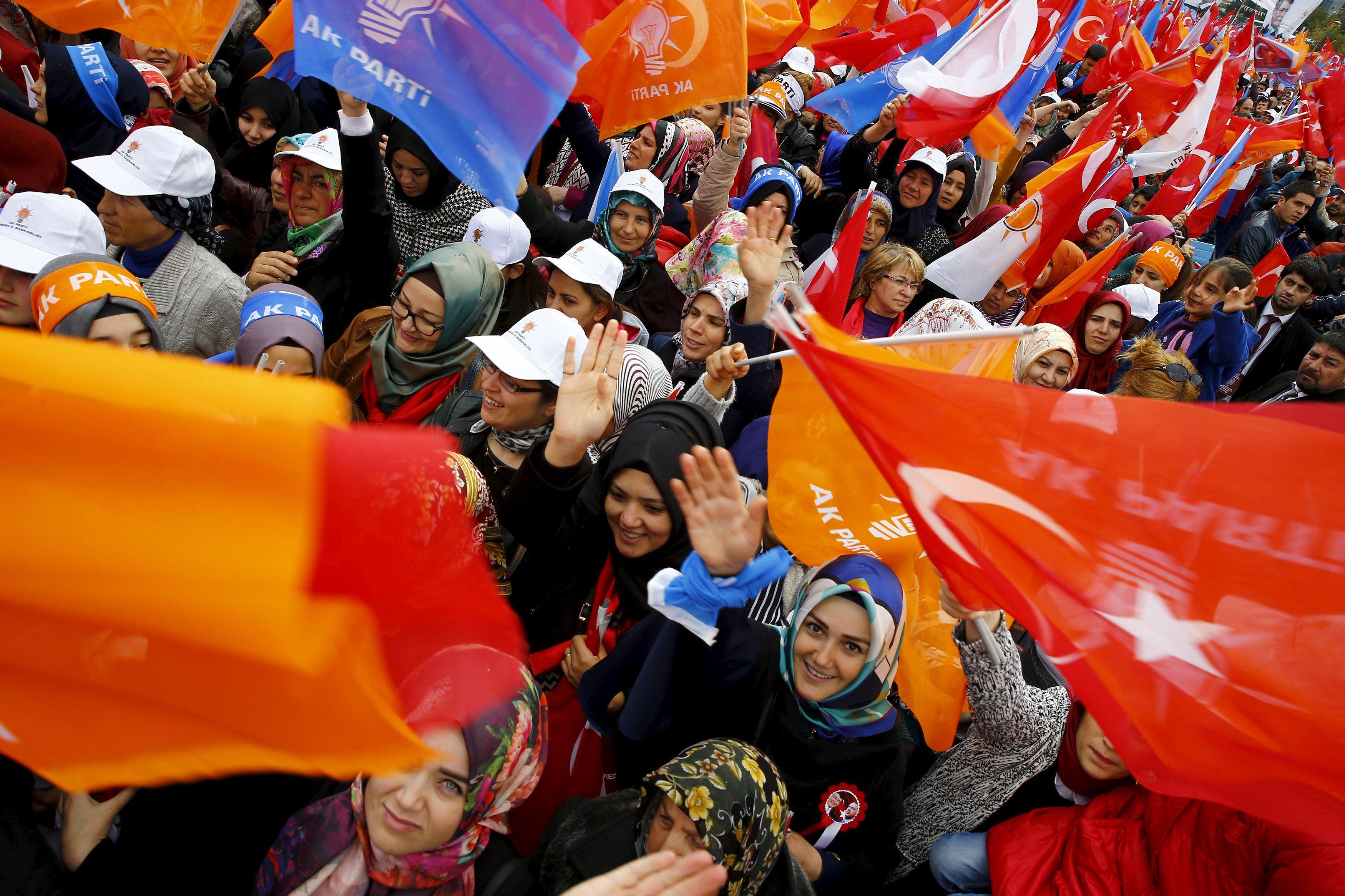 نتائج الانتخابات التركية وانعكاساتها على السياسة التركية