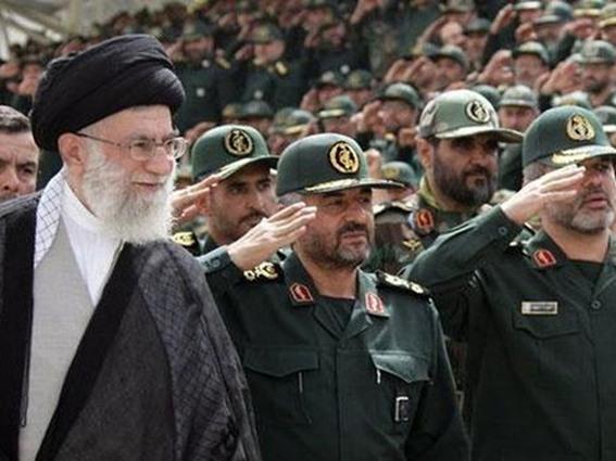 لمَ إيران وليست قطر