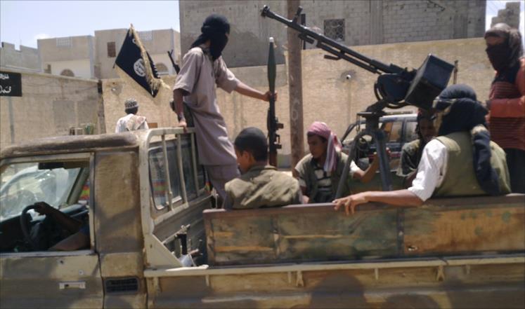 أسلوب سيطرة جديد للقاعدة بجنوب اليمن