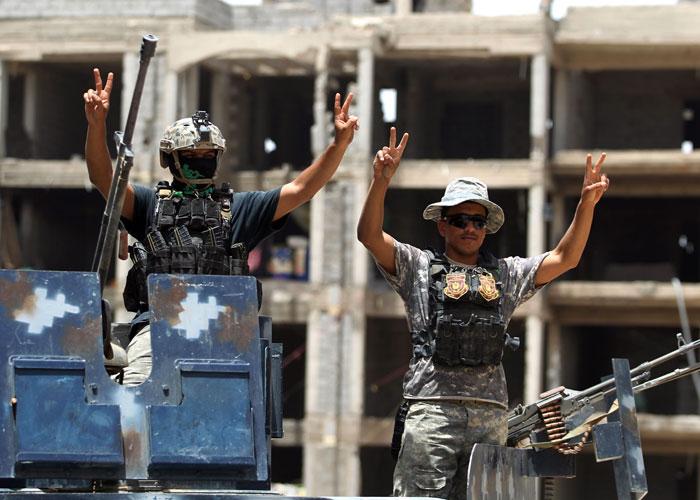 'مغلق بأمر الشعب'.. الطبقة الحاكمة في العراق على المحك