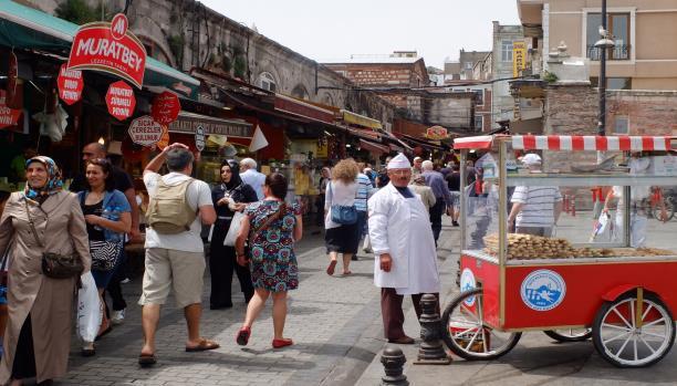 تركيا..مخاوف من تأثيرات محتملة لفرض الطوارئ على الاستثمار