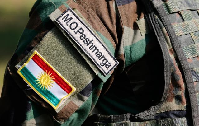 IraqKurdPeshmergaFlagSoldierRTR48NMX-639x405