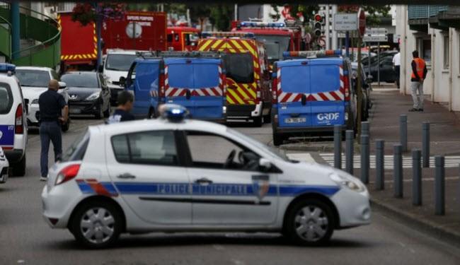 انتهاء ازمة المحتجزين في كنيسة شمال فرنسا