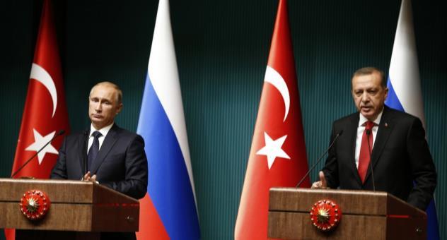 خيارات بديلة: هل تسعى أنقرة إلى استغلال تقاربها مع موسكو للضغط على واشنطن؟