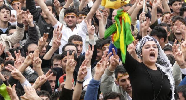 مفترق طرق: هل يتصاعد الصراع بين تركيا والأكراد بعد فشل الانقلاب؟