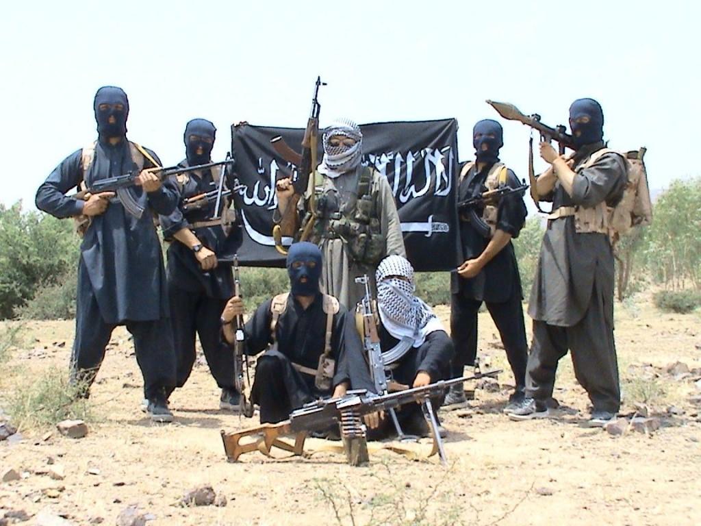 داعش بين الدولة والقاعدة