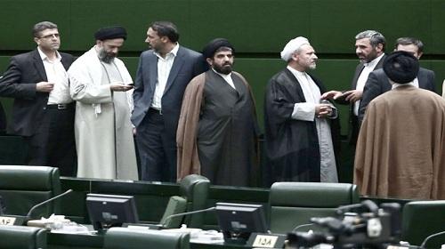 الموسيقى وكرة القدم.. ساحات جديدة لحروب المحافظين والإصلاحيين في إيران