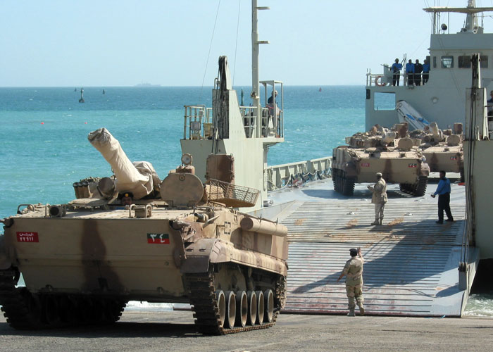 قوس دفاع خليجي في أفريقيا يطوق الهلال الإيراني