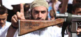 """خلافات متجددة:  لماذا صعّد تنظيم """"القاعدة"""" هجومه على """"داعش""""؟"""