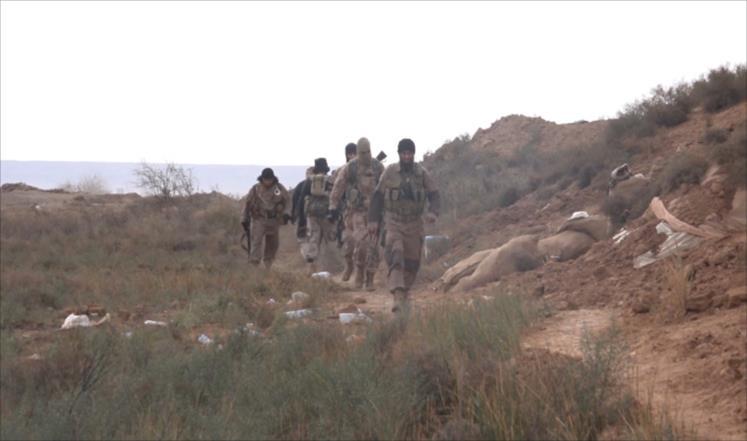 تنظيم الدولة يهاجم مواقع للنظام بدير الزور