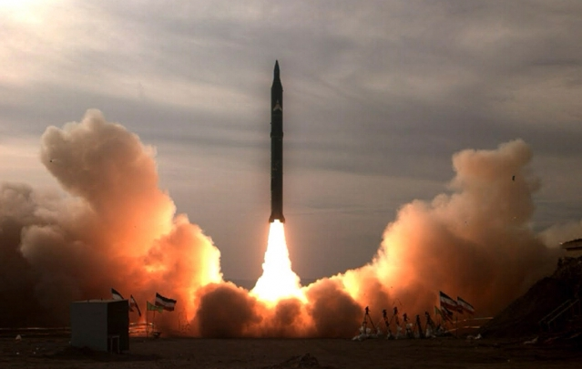 التجربة الصاروخية الإيرانية الأخيرة: سيناريوهات وتداعيات بالنسبة للإدارة الأمريكية الجديدة