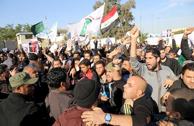 العراق تغمره الأزمات