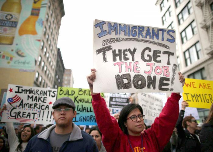 ترامب يحصن مرسوم حظر السفر الجديد من الطعون القضائية