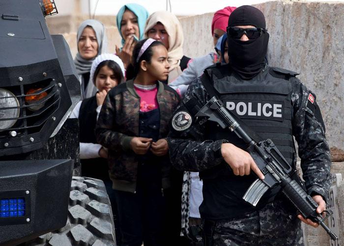خطر داعش في تونس ينحسر بعد عام من فشله في بنقردان
