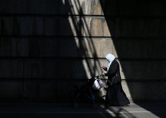 الانتظار طويلا للحصول على تأشيرة دخول إلى دولة المسلمين في بريطانيا