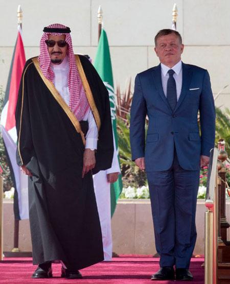مبادرة السلام ومحاصرة إيران أولويتان في قمة عمان