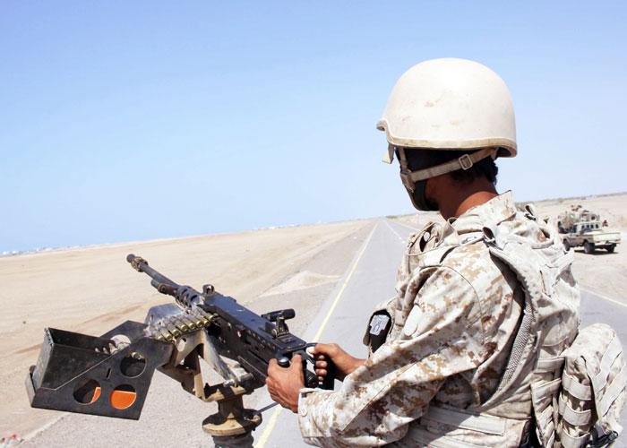 واشنطن تترك تدريجيا دور المتفرج على التمدد الإيراني في اليمن