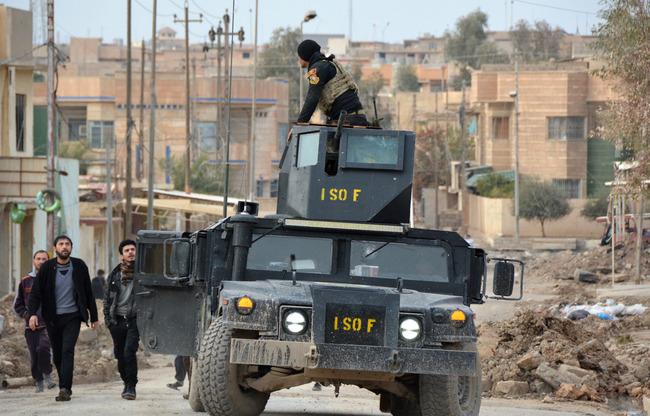 """استعادة غرب الموصل من """"داعش"""": خمسة أسئلة رئيسية"""