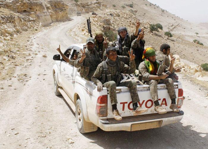 داعش يفشل في وقف تقدم قوات سوريا الديمقراطية نحو الرقة