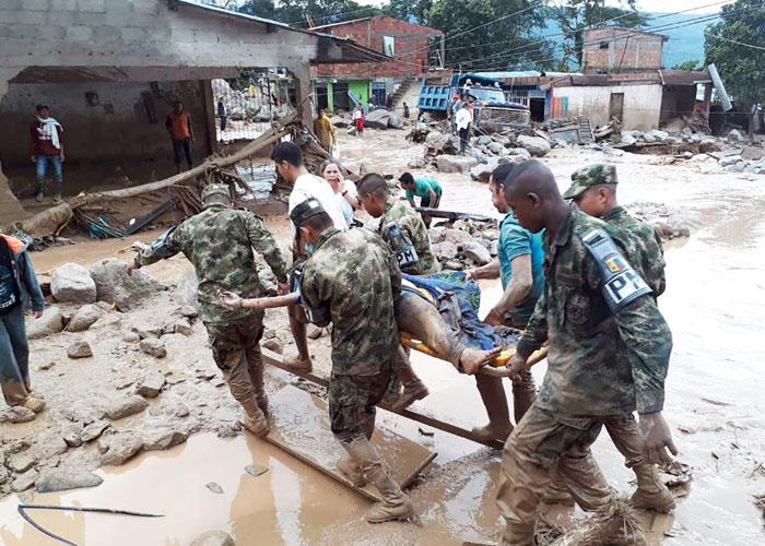 عشرات القتلى في فيضانات بكولمبيا
