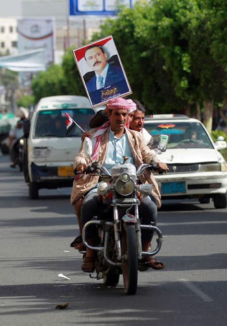 صراع بين الحوثيين والإخوان للاستحواذ على تركة حزب المؤتمر الشعبي في اليمن