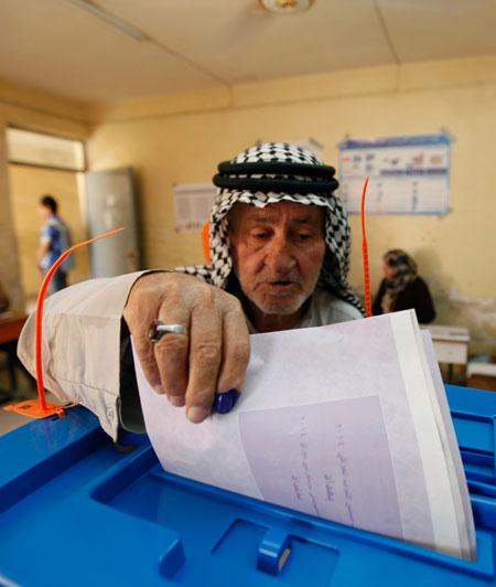 صفقة سياسية تحدد مصير مفوضية الانتخابات في العراق