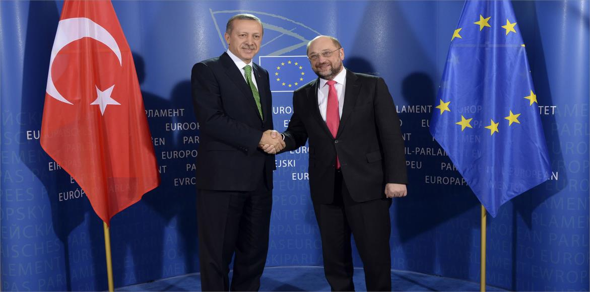 مستقبل التجاذب الأوروبي التركي بعد استفتاء الدستور