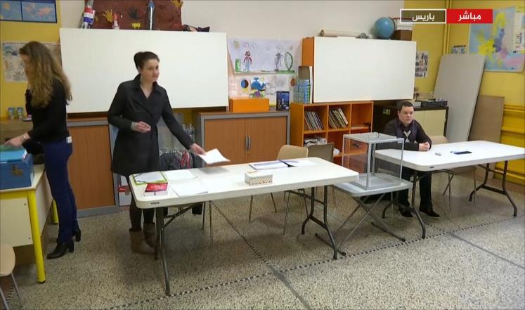 بدء الاقتراع في الانتخابات الرئاسية الفرنسية