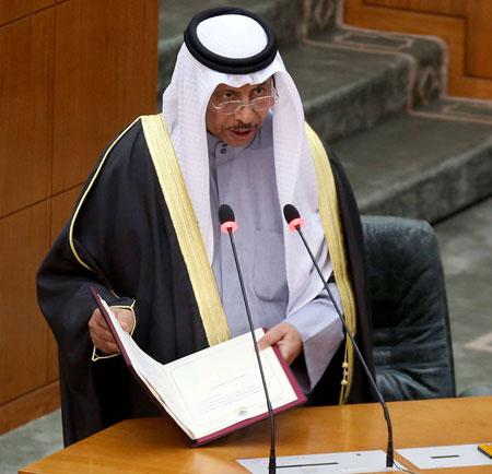 الحكومة الكويتية تحسم خيارها بمواجهة الاستجوابات النيابية