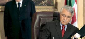 طيف شكيب خليل يخيم على قيادة الحكومة الجزائرية المرتقبة