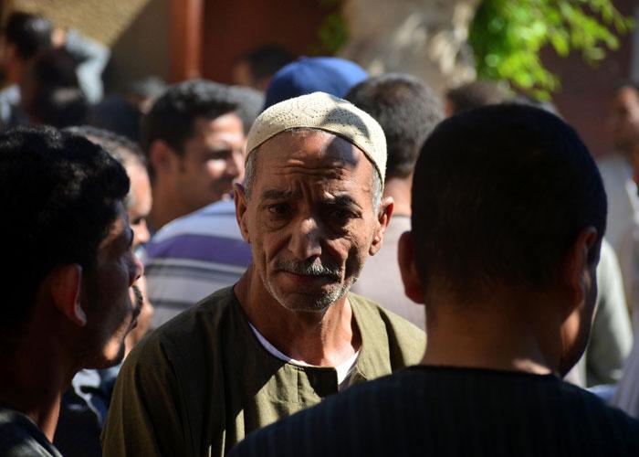 المتشددون يتسابقون على شق المجتمع المصري طائفيا، لكن المصريين صامدون