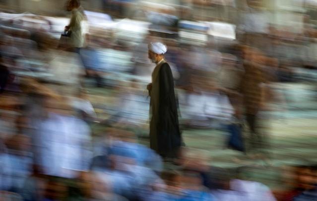 الانتخابات الرئاسية في إيران: انعدام الأهمية السياسية لرجال الدين