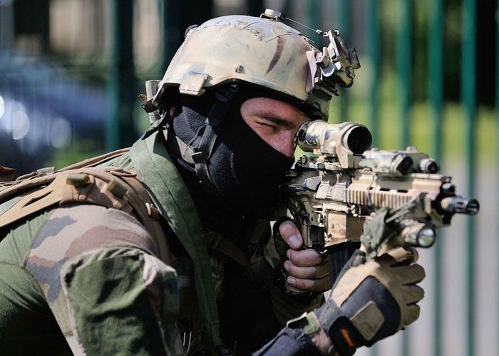 باريس: الفرنسيون في صفوف داعش يستحقون مصيرهم