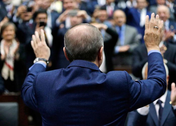 كبار الموظفين الأتراك هدف لاعتقالات أردوغان