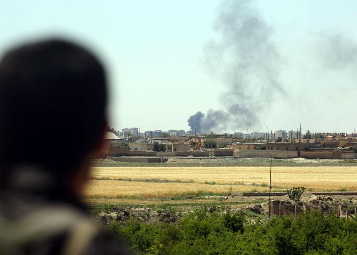 التحالف الدولي يصعد حملته في الرقة وعينه على دير الزور