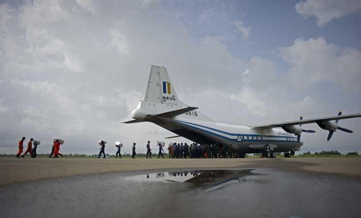 العثور على جثث وحطام خلال البحث عن طائرة مفقودة في ميانمار