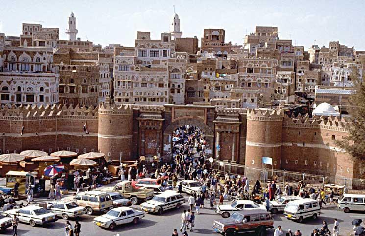 العيد في صنعاء: اقتصاد الحرب اليمنية يهدر الفرحة