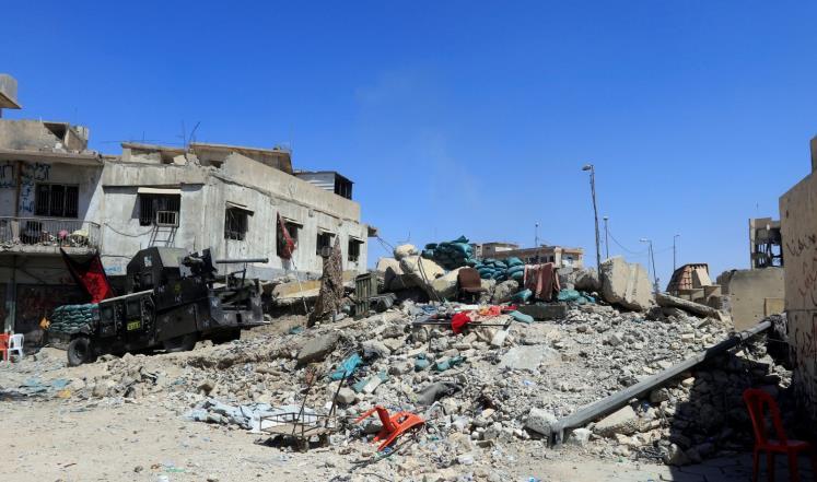 القوات العراقية تستعيد حيا من آخر أربعة أحياء بالموصل