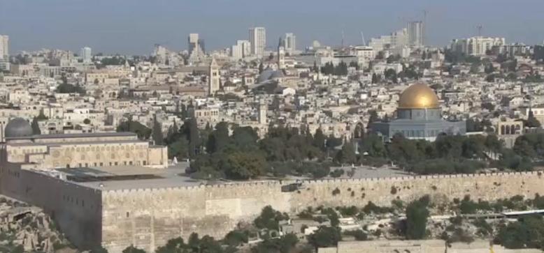 مواجهات حول الأقصى والفلسطينيون يرفضون الخضوع
