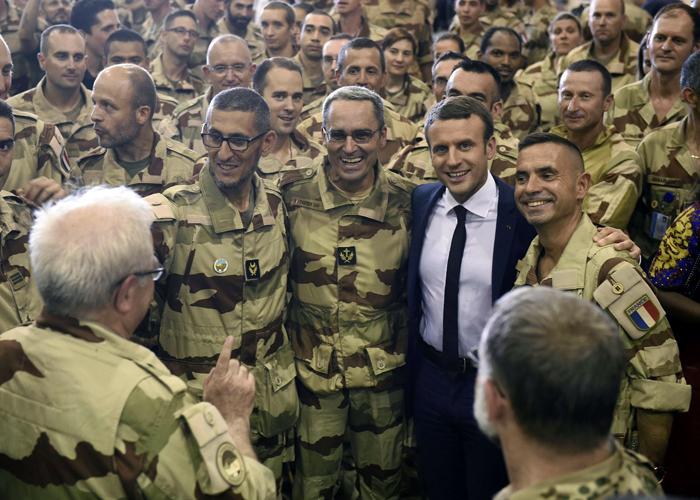 قمة حكومات الساحل وفرنسا تهدد بسحب الملف المالي من الجزائر